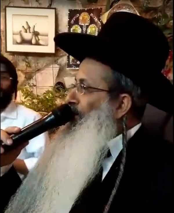 """הרב יהודה גמליאל שליט""""א שר שמע האל בסוכה – וידאו"""
