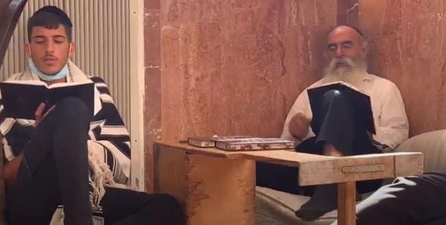 """הרב הגאון עזריאל מנצור בקינה לט' באב תש""""פ – """"בצאתי ממצרים"""""""