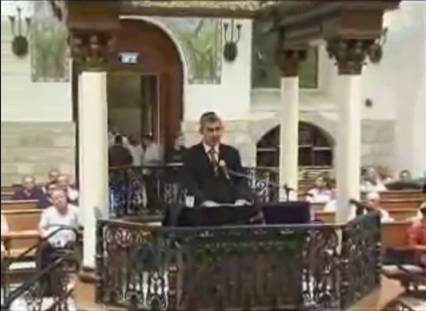 סליחות מפי ר' משה חבושה בית הכנסת החורבה ברובע היהודי