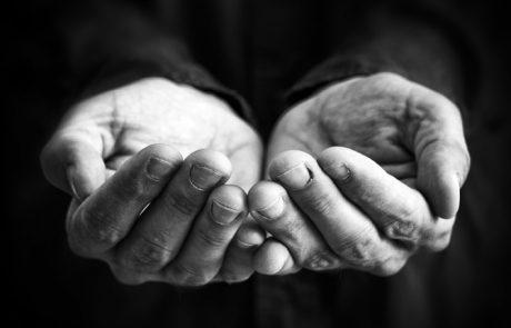 מתן צדקה לעני שמסוגל להתפרנס