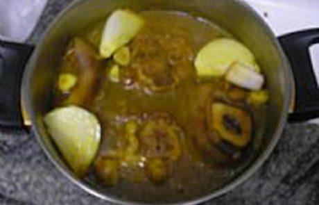 מרק כּוּרְעִי (אוסובוקו)